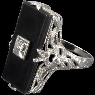 Vintage Art Deco 14k white gold filigree black onyx diamond ring ribbon bow details