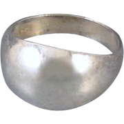 Modern estate sterling silver highly polished dome ring size 9