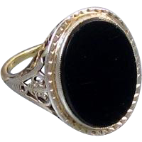 Vintage Art Deco 1920s 14k two tone white and yellow gold ornate filigree black onyx ring, size 5