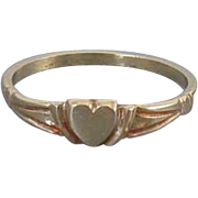 Vintage 10k gold baby infant childs midi heart shaped signet ring size 2-1/2