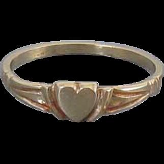 Vintage 10k gold baby infant childs midi heart shaped signet ring size 2-1/2