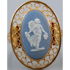 Vintage estate 14k gold Wedgwood England full body angel cameo blue jasperware ring, size 9