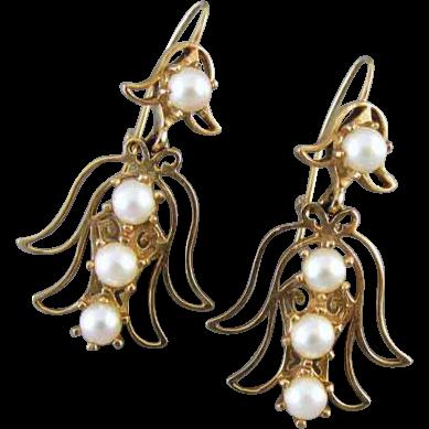 Vintage estate 14k gold genuine cultured pearl angel pierced earrings / Christmas / noel / winter white