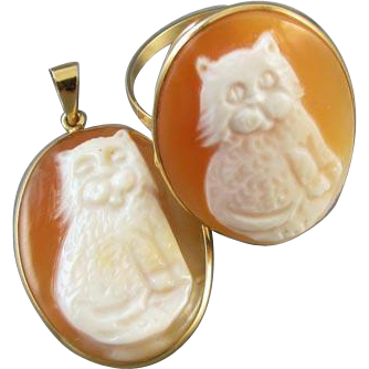 Estate 14k gold MM SCOGNAMIGLIO Amedeo Italy hand carved cornelian shell full body cat demi parure pendant and matching ring, size 9.75