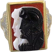 Mans antique Art Deco 14k yellow and white gold sardonyx hardstone double headed warrior cameo ring, signed Untermeyer Robbins, size 10