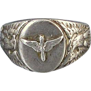 Vintage WW2 military US Army Air Corps ladies sweetheart pilot wings eagle ring, size 5.5 / militaria / sterling silver / signed Kinney & Co