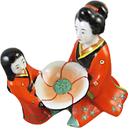 Vintage Asian / Japan / Oriental / mother and daughter / figural / satsuma / ceramic ring tray / trinket tray / hand painted / porcelain