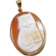 Estate 14k gold MM SCOGNAMIGLIO Amedeo Italy hand carved cornelian shell full body cat pendant