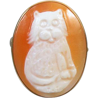 BIG and Showy estate 14k gold MM SCOGNAMIGLIO Amedeo Italy hand carved cornelian shell full body cat statement ring, size 9.75