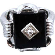 Vintage Art Deco 14k white gold black onyx and diamond ring size 4-1/2