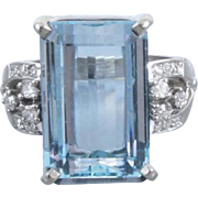 Vintage Retro Moderne estate 14k white gold 8.70 carat rectangular aquamarine with .24 carat diamonds cocktail statement ring, size 8-1/4