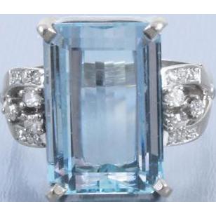 Vintage Retro Moderne estate 14k white gold 8.70 carat rectangular aquamarine with .24 carat diamonds cocktail statement ring, size 8-1/4