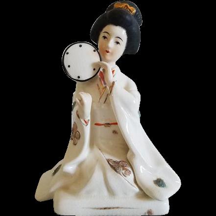 Vintage Japan geisha woman with fans porcelain figurine / Napco / Asian / Oriental / ceramic / pottery / Napcoware