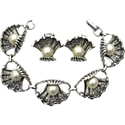 Vintage Signed JUDY LEE Seashell and Faux Pearl Demi Parure, Bracelet and Clip Earrings
