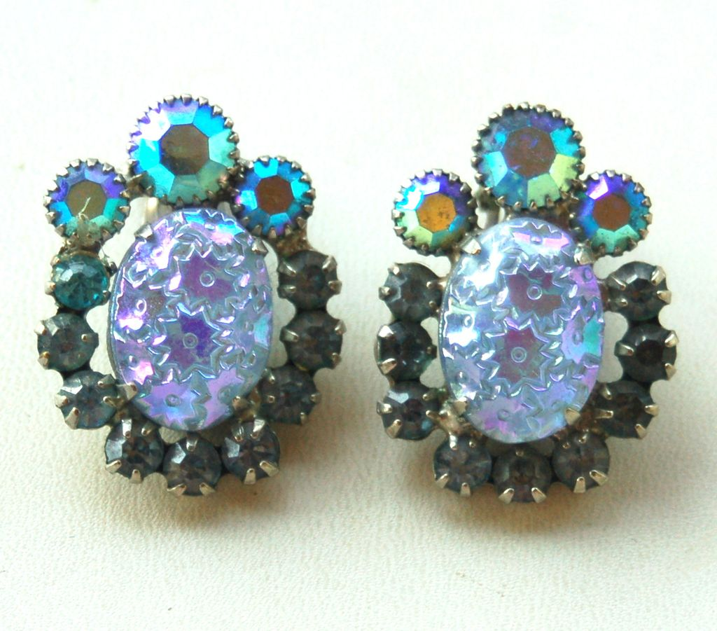 Vintage JULIANA (DeLizza and Elster) Blue Molded Glass Rhinestone Earrings