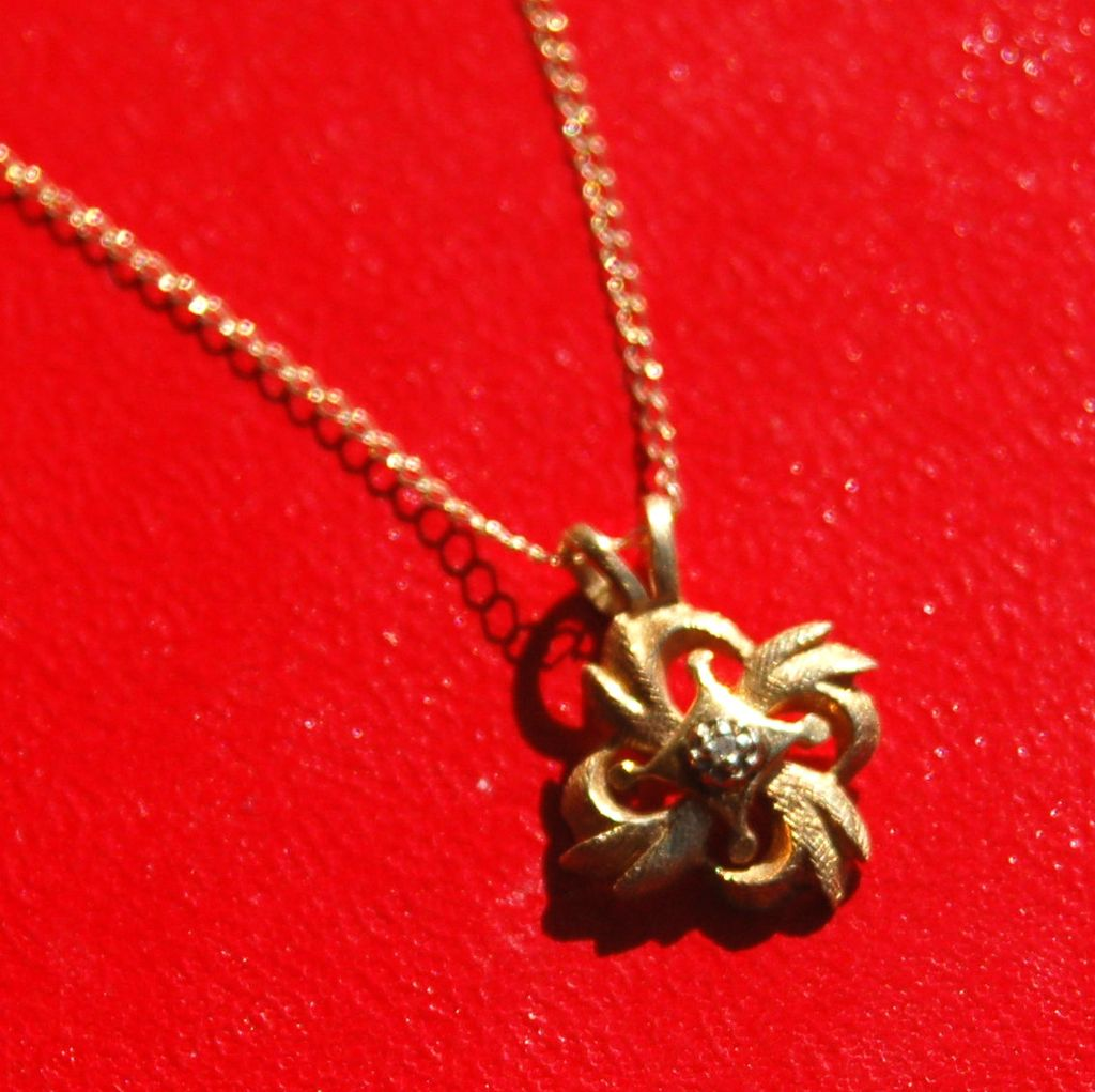 Hallmarked 14K Yellow Gold and Diamond Pendant Necklace with Chain