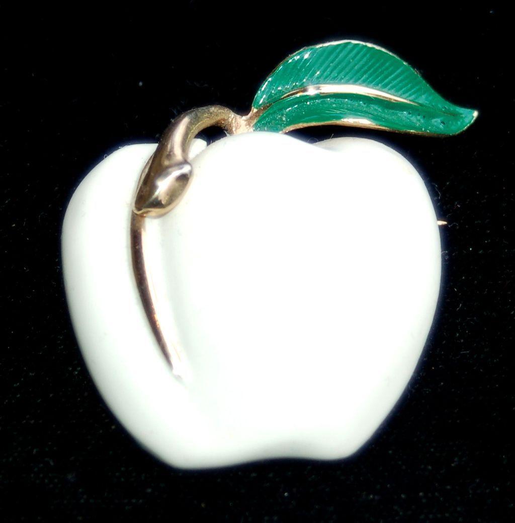 Vintage Signed PASTELLI White Enameled Apple Pin