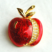 Vintage Signed Van Dell Enameled Apple Pin With Rhinestones