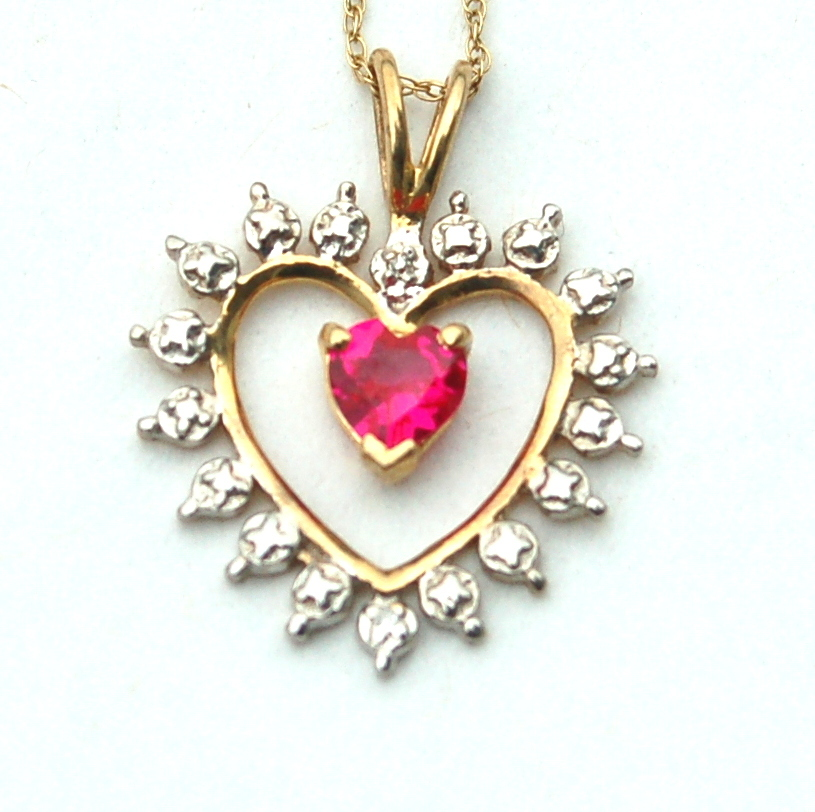 Vintage Hallmarked 10K Gold Necklace and Heart Pendant Pink Stone