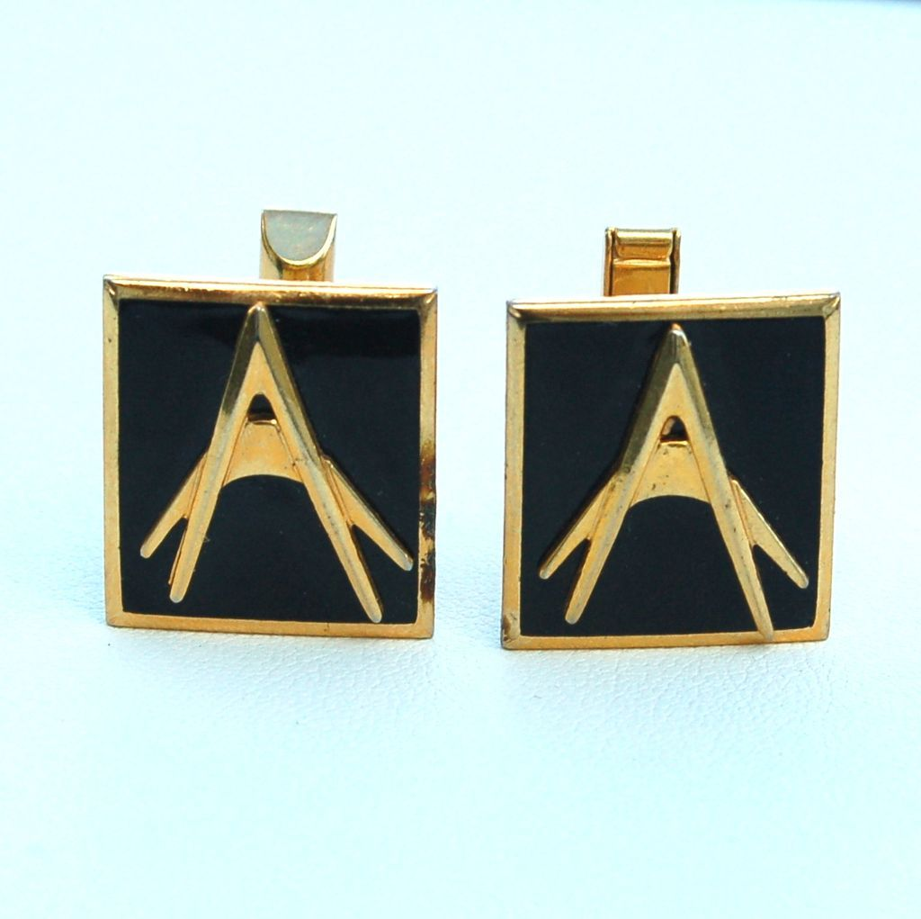 Vintage Signed KINNEY Gold Toned Mens Cuff Links