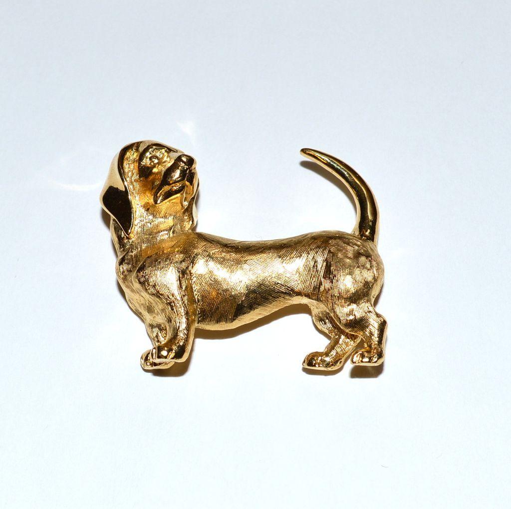 Vintage Signed CROWN TRIFARI Gold Tone Dachshund Wiener Dog Pin