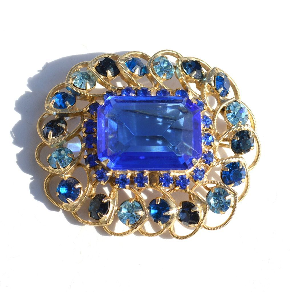 Vintage Chunky Sky and Sapphire Blue Colored Rhinestone Pin