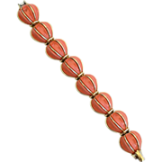 Vintage Signed LISNER Coral Thermoset and Gold Toned Bracelet