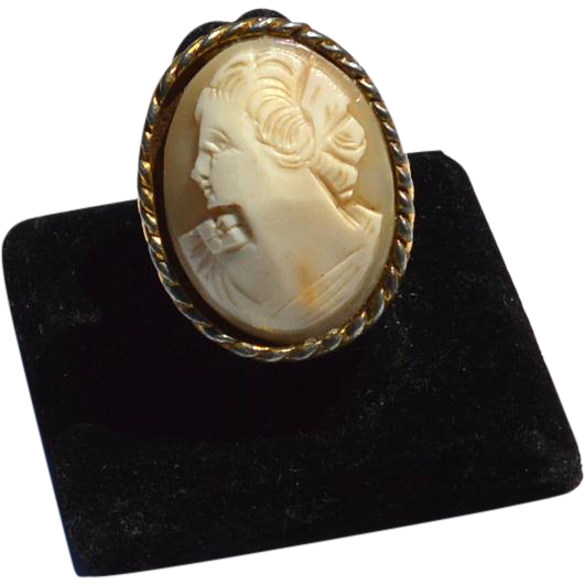 Vintage Huge Oversized Hand Carved Shell Cameo Ring
