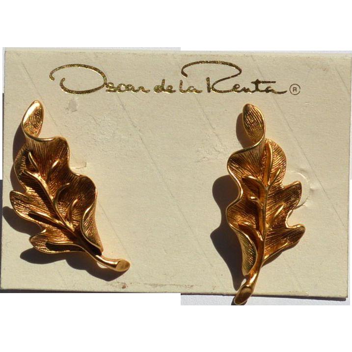 Vintage Signed OSCAR de la RENTA Gold Toned Earrings, Original Card