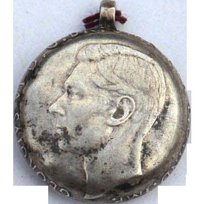 1938-1952 George VI Australian Sixpence Coin Pendant