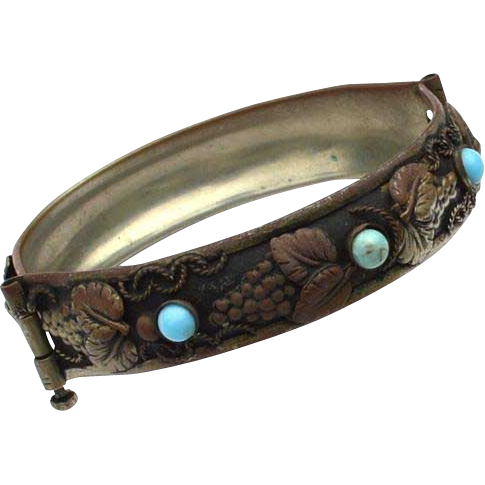 Vintage Hallmarked Made In Italy Turquoise Stone and Grape Leaf Bracelet