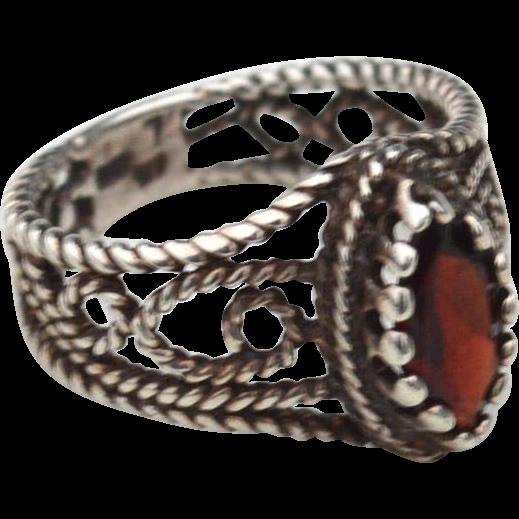 Vintage Hallmarked STERLING SILVER and Garnet Ornate Metal Work Ring