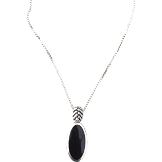 Vintage Hallmarked STERLING SILVER Italy Genuine Onyx Pendant Necklace, Box Chain