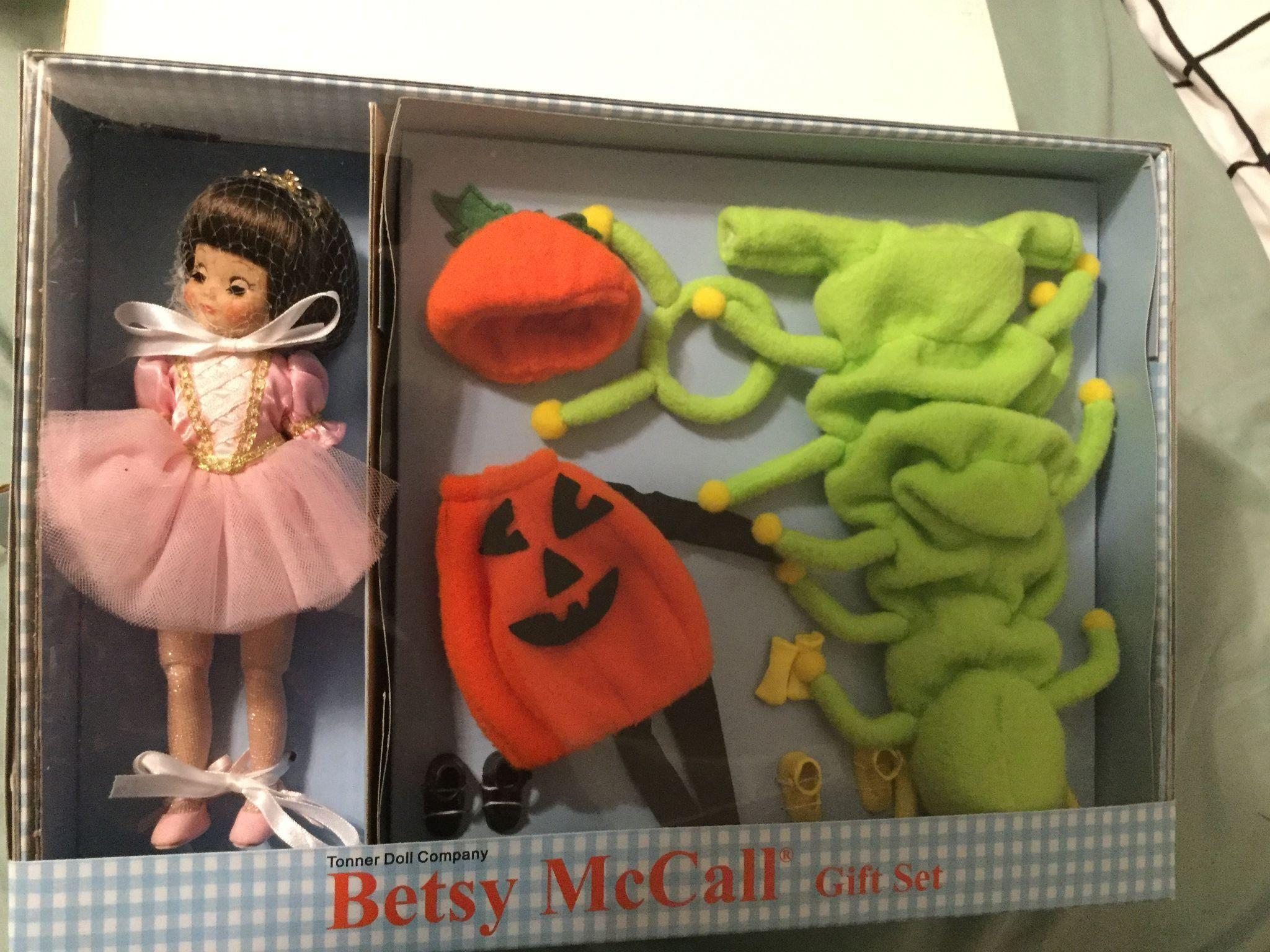 Betsy McCall CU Atlanta Halloween Fun Betsy Tonner Doll Co. Mint in box