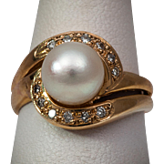 Beautiful Cultured Salt Water Pearl and Diamond Gold Ring