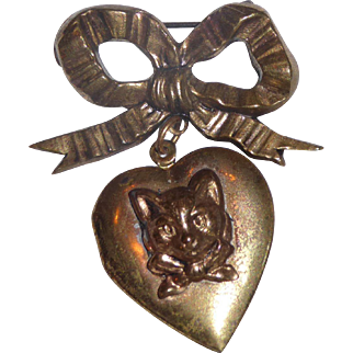 Goldtone Kitty Brooch/Locket for your Dolly