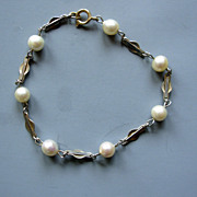 Vintage Cultured Pearl w. gold fill chain Bracelet