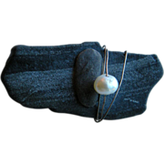 Modernist Brooch w. Found Natural Pearl, Grey Stone & Silver tone Wire