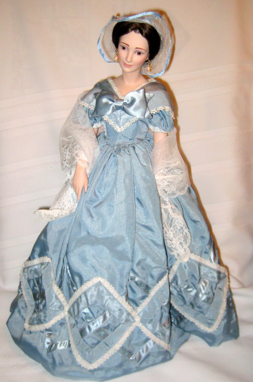 """18"""" Porcelain Franklin Mint Heirloom Doll - Olivia de"""