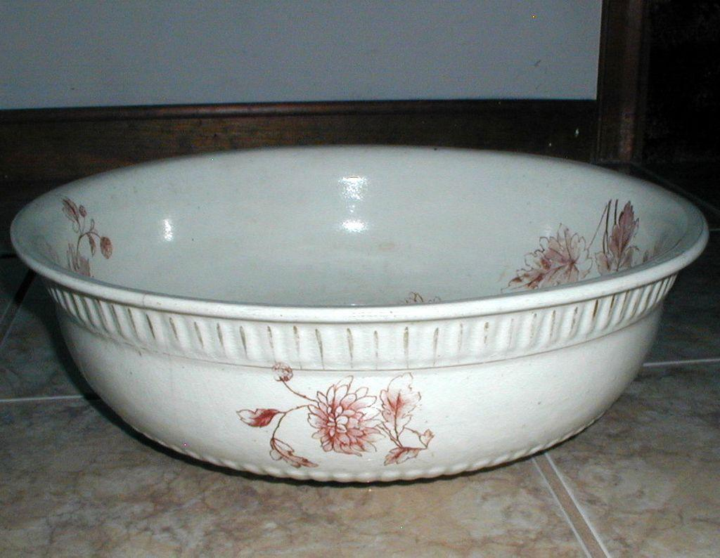 Large Transferware Wash Basin with Chrysanthemums, circa 1890