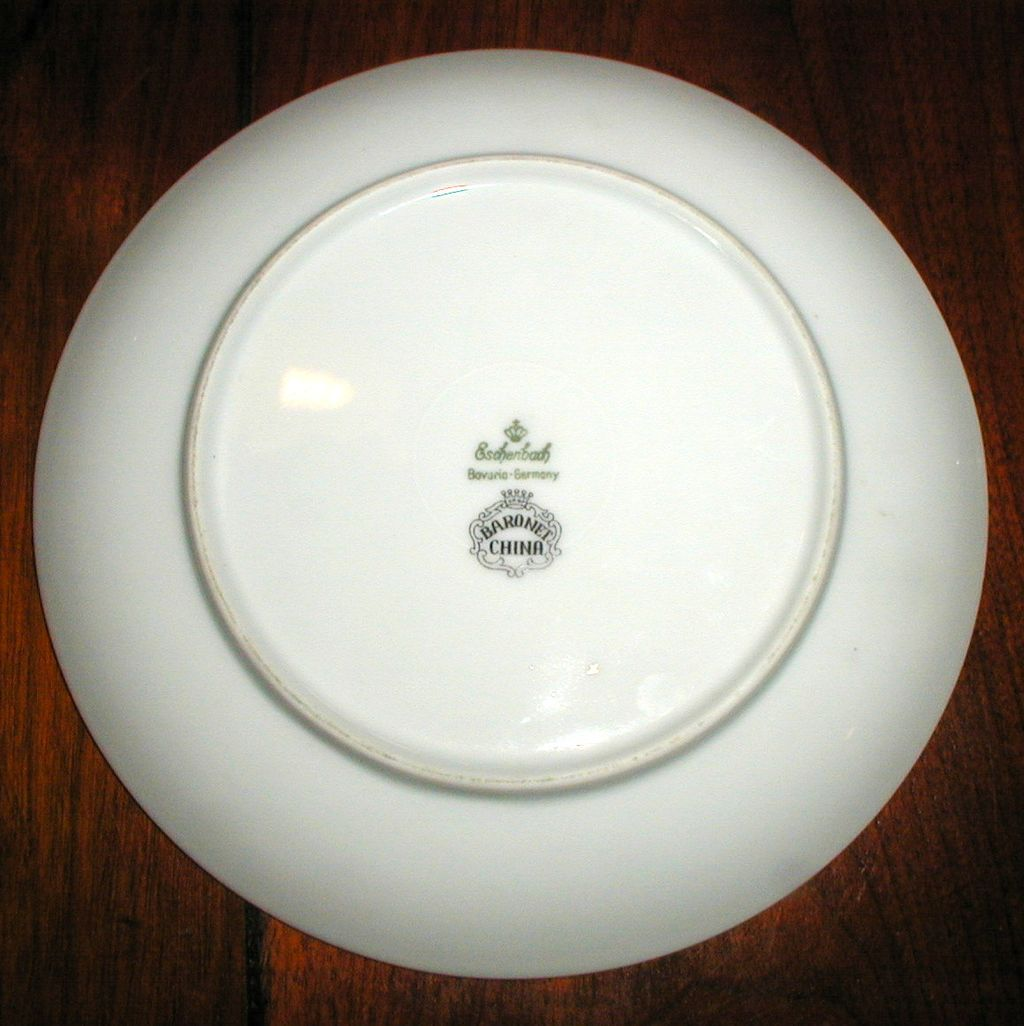 eschenbach bavaria germany grape plate from suzanstreasures on ruby lane. Black Bedroom Furniture Sets. Home Design Ideas