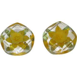Two Pieces of Reverse Carved Lucite with Daffodil Flowers