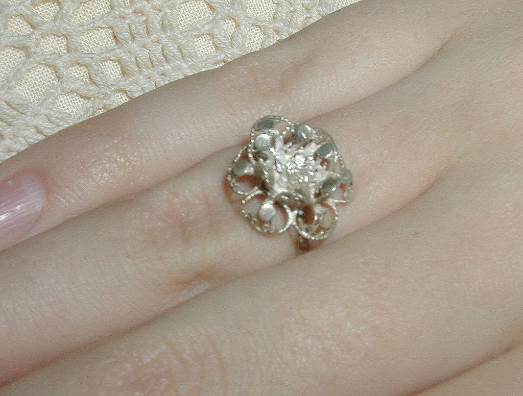 India Silver Filigree Flower Ring