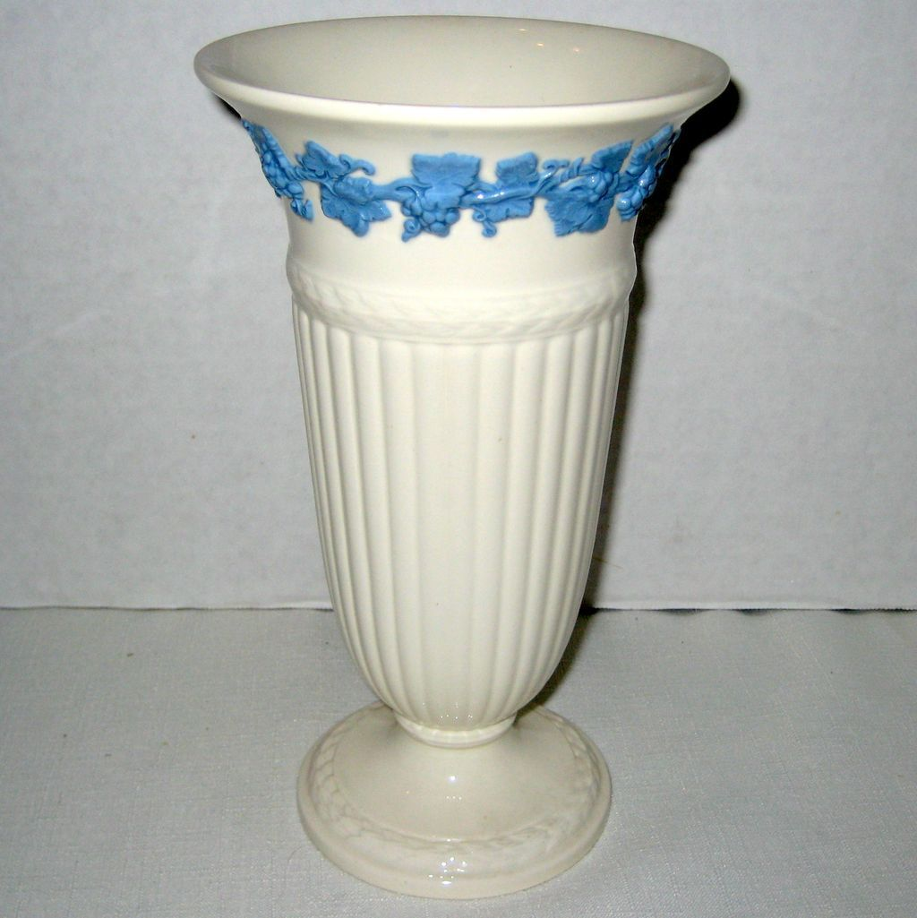 dating wedgwood etruria The etruria works was a ceramics factory opened by josiah wedgwood in 1769 in a district of stoke-on-trent, staffordshire, england, which he named etruria the factory ran for 180 years the factory ran for 180 years.