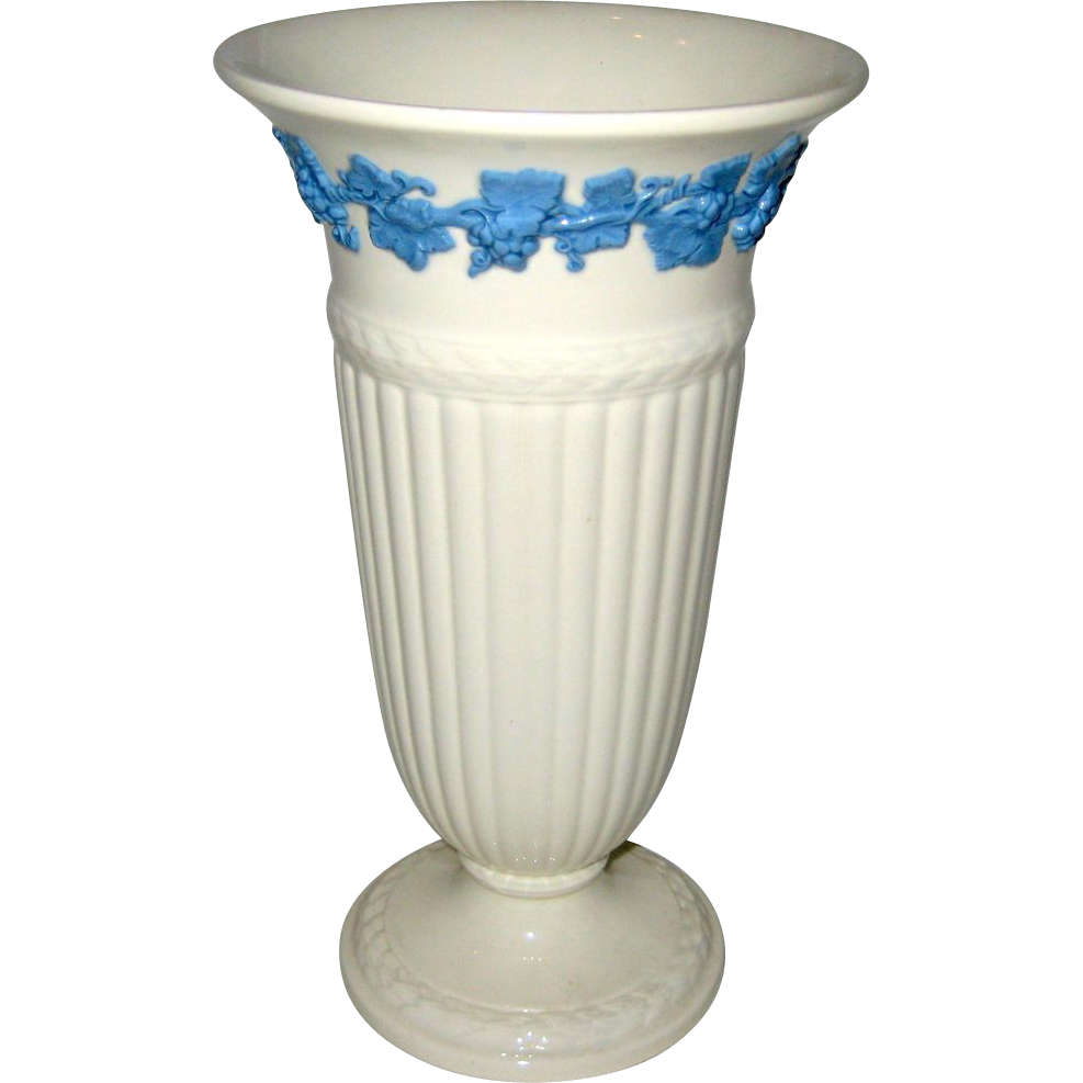 "Wedgwood of Etruria & Barlaston 8 3/4"" Queen's Ware Vase  1964"