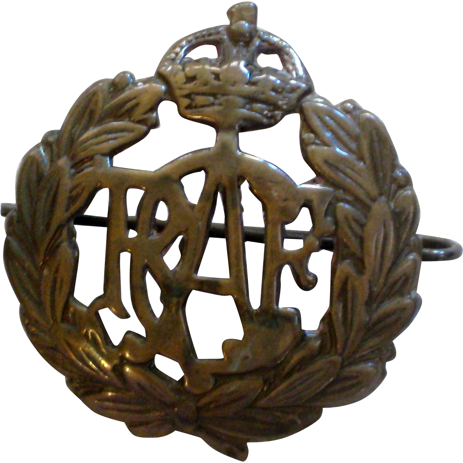WW II Royal Canadian Air Force Cap Badge Insignia
