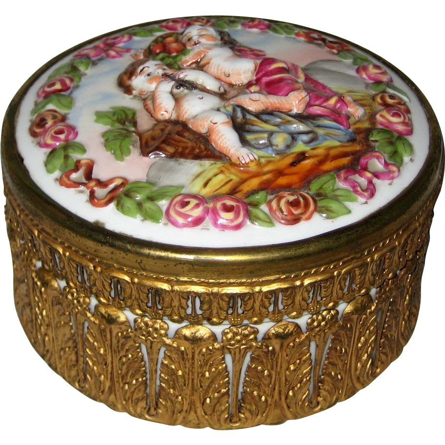 Capodimonte Porcelain Powder or Dresser Box