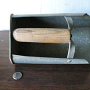 Grain Scoop Tin with Wood Handle