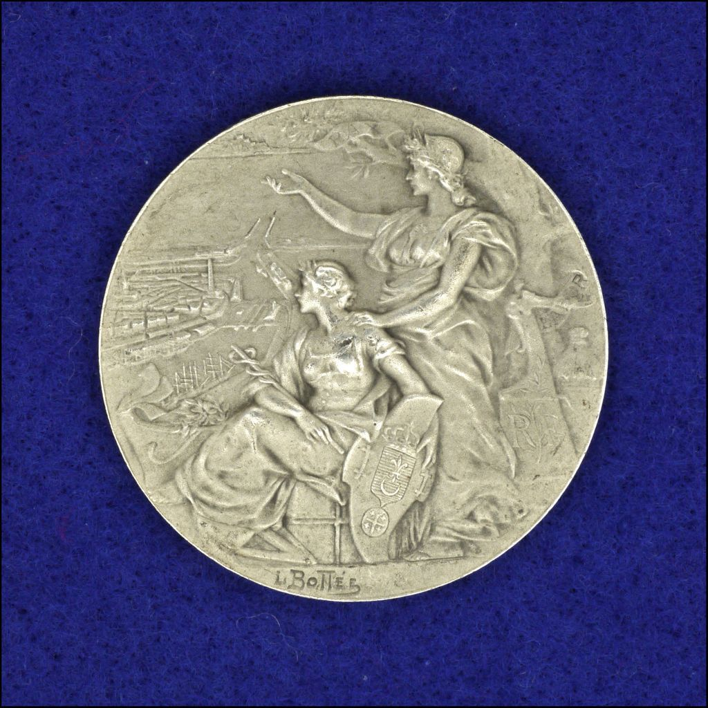 French Circa 1910 950 Silver Chamber of Commerce Calais Medal
