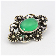 English Arts and Crafts Silver and Chrysoprase Agate Pin